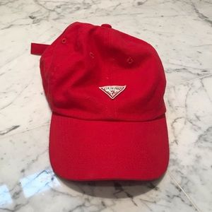 GUESS RED HAT